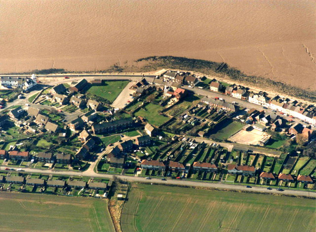 Aerial view of Paull from the east