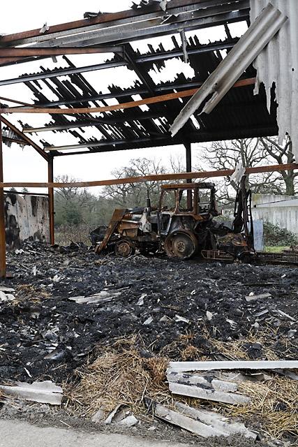 Barn fire at Lower Wangfield Farm, Curdridge