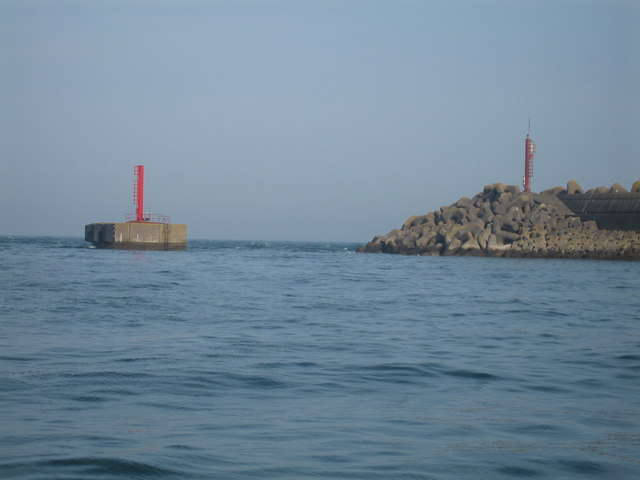 Northern tip of Douglas Harbour breakwater extension