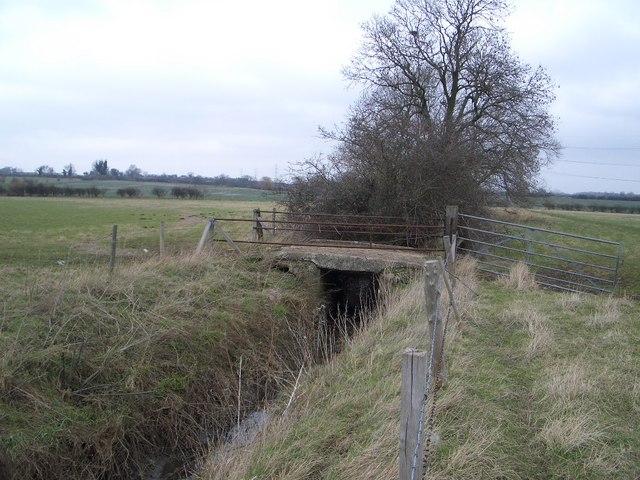 Field Gate, Ditch & Access Bridge near Lavendon