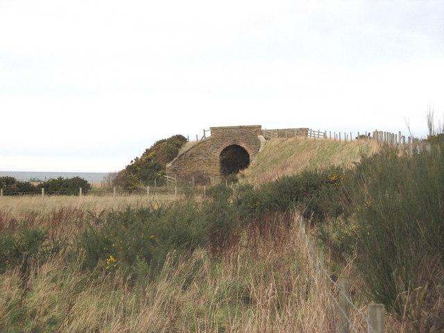 Bridge over dismantled railway at Porttannachy