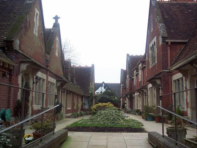 Husseys Almshouses, Castle Street