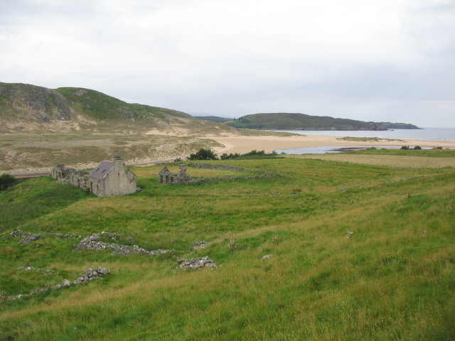Derelict croft below Dalcharn