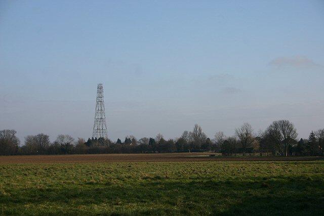 Disused mast at Cross Green