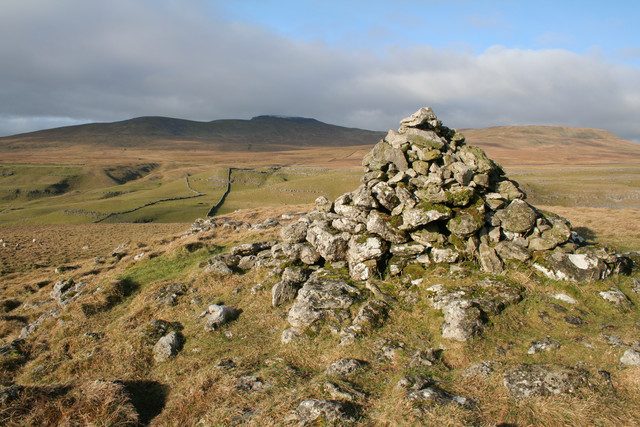 Summit cairn above Long Scar