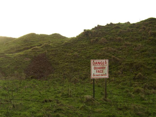 Warning behind Craigunnock Stone Quarry