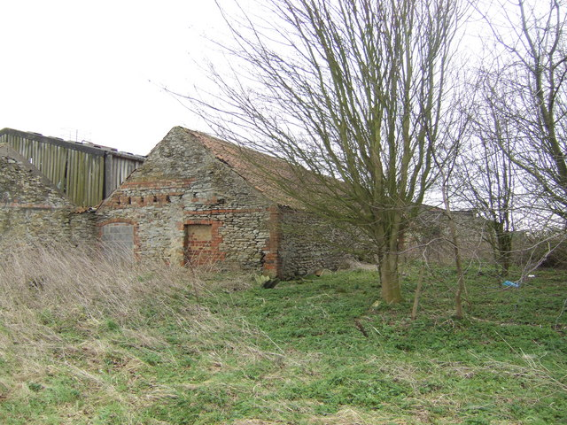 Old barn at Snitterby Cliff Farm
