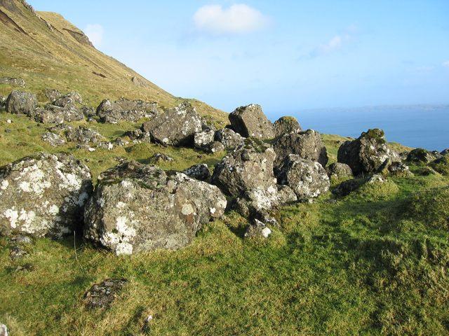 Boulders below Fiurnean