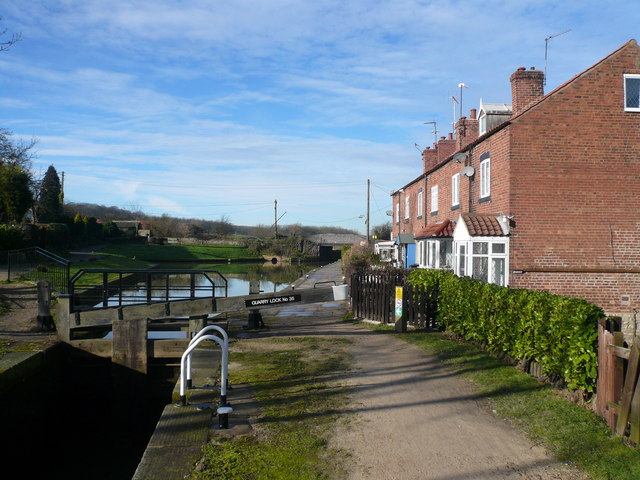 Chesterfield Canal - Quarry Lock No 35