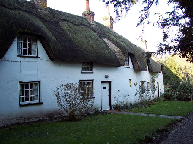 Thatched cottage near Stockton Church