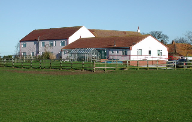 East Field Farm, Halsham