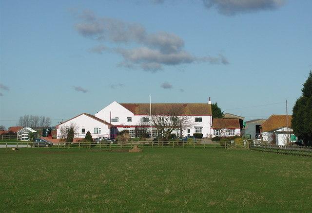 East Field Farm, Halsham
