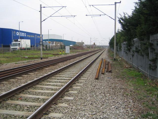 Upper Edmonton: Railway line