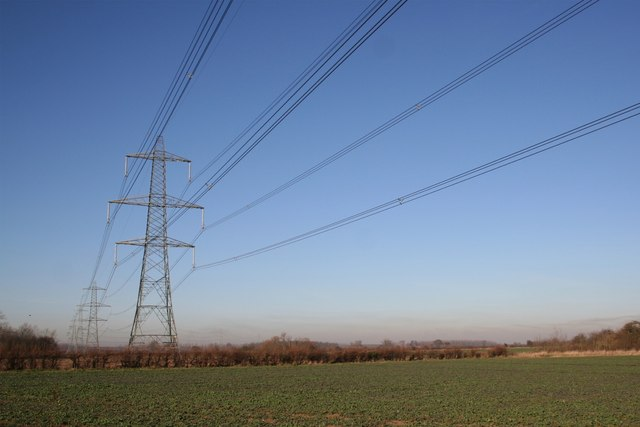 Power lines on Coleby Low Fields