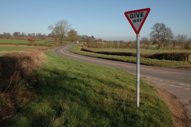 Road junction by Berry Cottage
