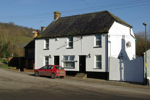 Cottages, Upper Halling