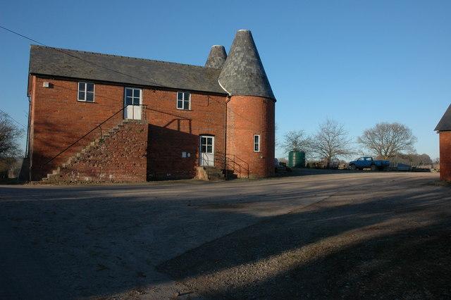 Former hop kilns, Newchurch