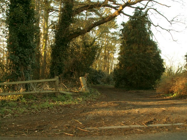 Footpath that leads to Hasketon Manor and beyond