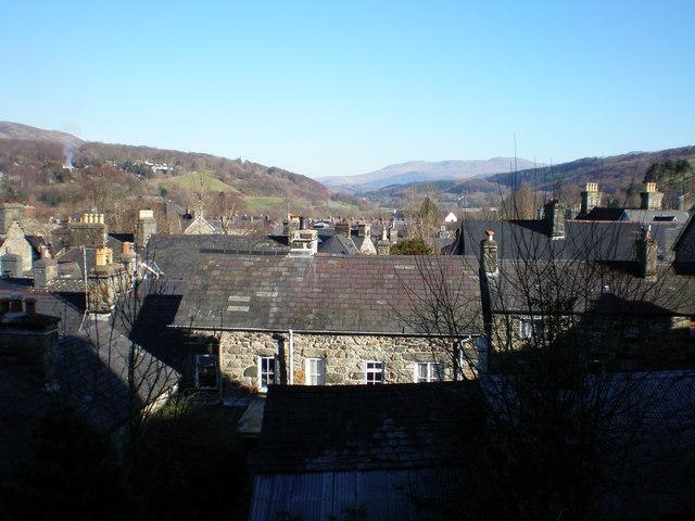 Across the rooftops towards Aran Fawddwy.