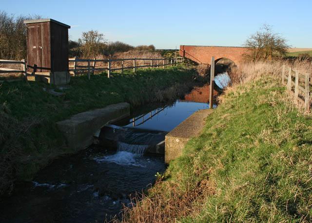 Weir on the East Glen River near Hawthorpe