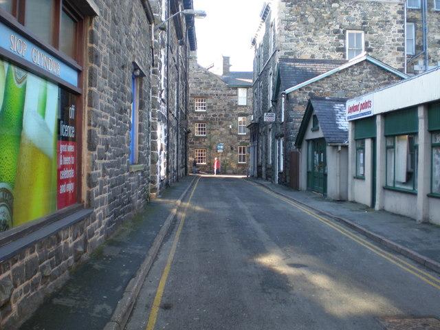 Heol Glyndwr west.