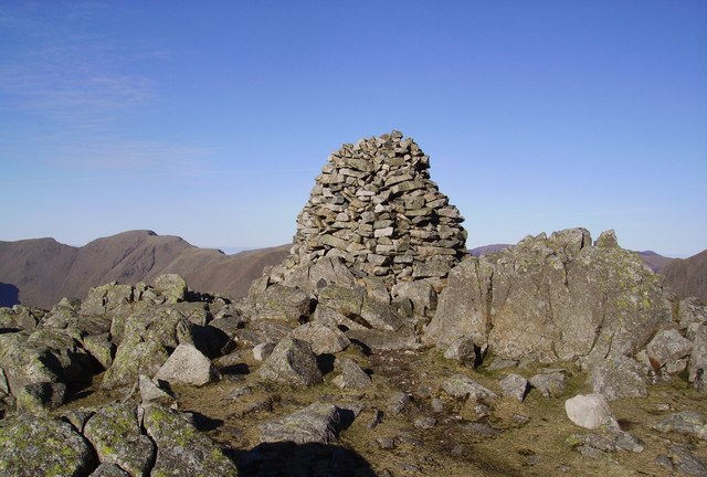 Summit Cairn, Lingmell