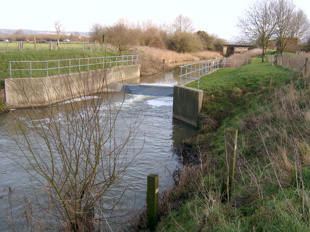 Weir on River Beult