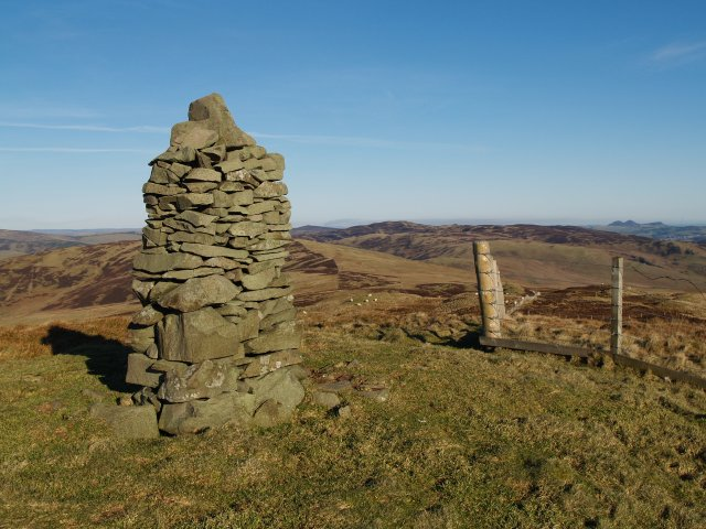 Summit cairn, Sundhope Height.