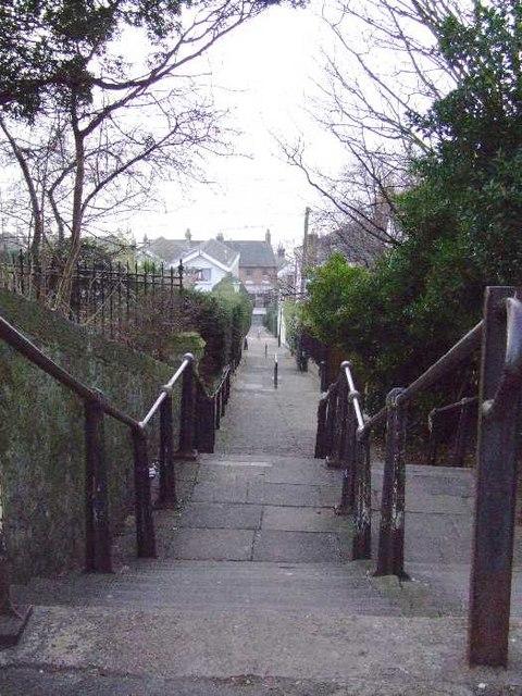 Leigh Steps