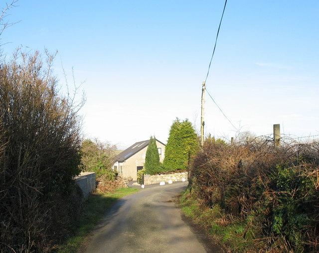 Approaching Cae Malwen