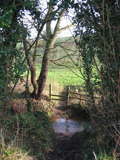 Stream north of Hough Bridge