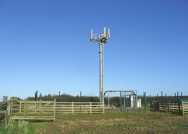 Communication mast at Whinny Hill