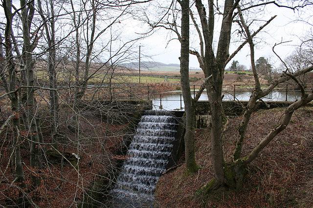 Polinar Dam overflow.