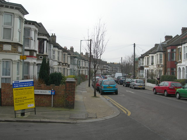 Tubbs Road, NW10