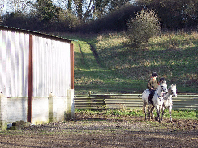 Riders enjoying the sun near Baverstock