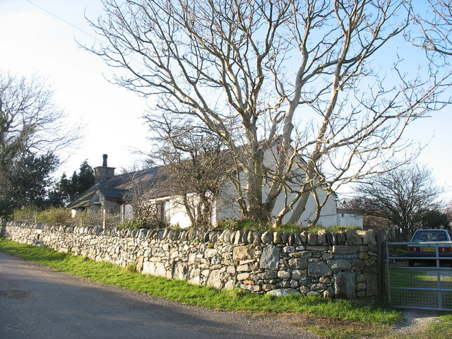 Pen-y-bryn - a traditional Welsh cottage