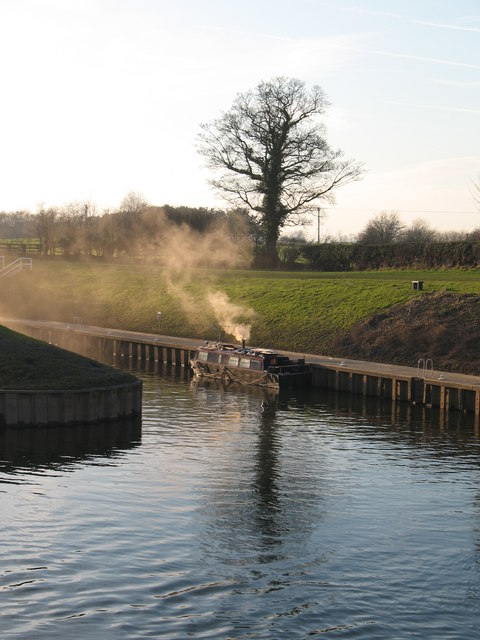 Barge at entrance to Milby Cut