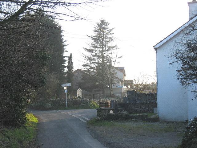 Road junction at Glasgoed