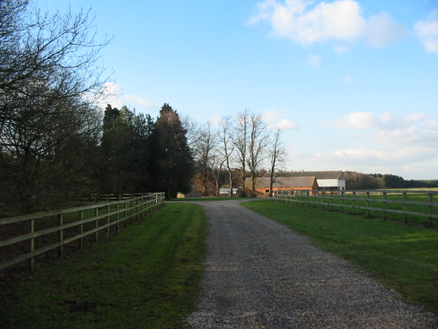 Private driveway to Sandburn House