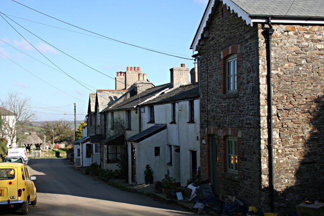 Terrace of Cottages in Lawhitton