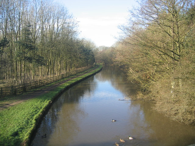 Leeds and Liverpool Canal towards Parbold
