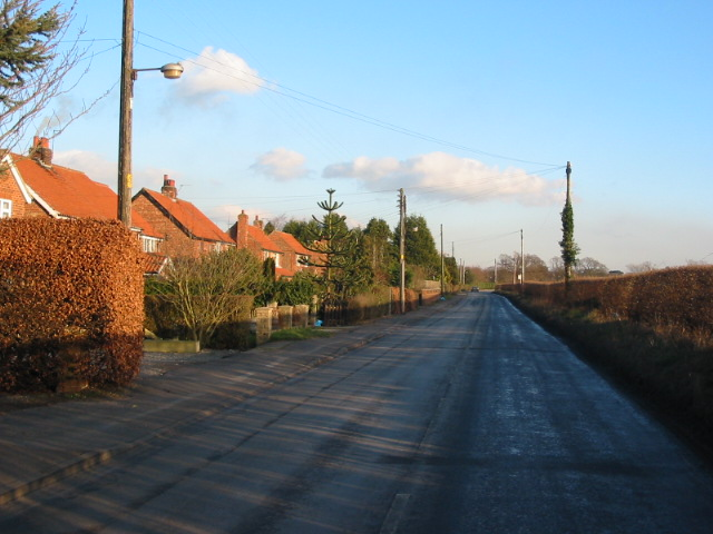 Lane running from Huby to Sutton-on-the-Forest