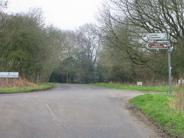 Junction of country lane and Bossingham Road.