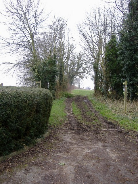 Footpath to Queenlaines farm