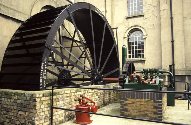 Water wheel driven pump at Kew Bridge Steam Museum