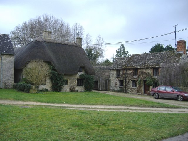 Thatched cottage, Kempsford
