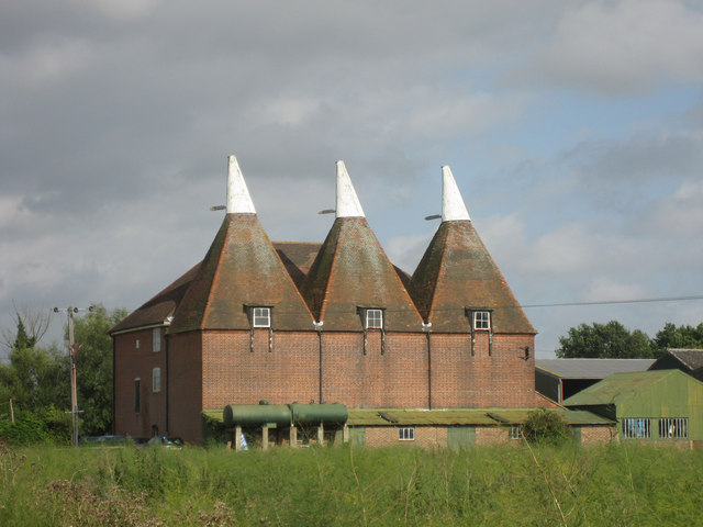 Oast House at Little Mill Farm, Underlyn Lane, Marden