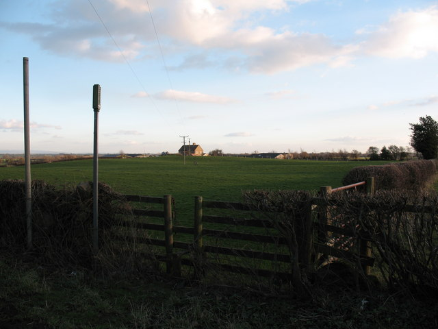 Footpath to Hunter's Hill Farm