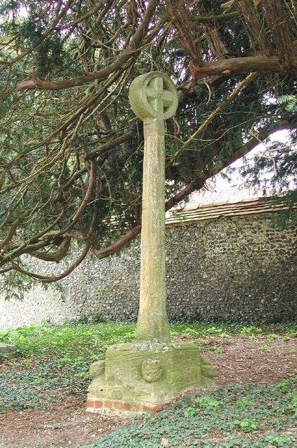 S Mary, Great Shefford. Berks - Churchyard Cross