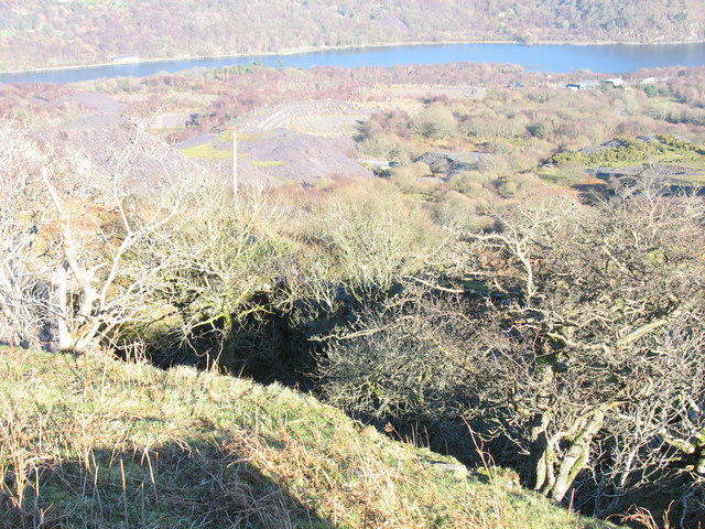 Looking down into Lower Twll Coch pit